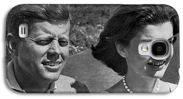 John F. Kennedy And Jacqueline Galaxy S4 Case by Underwood Archives