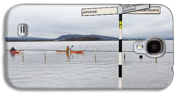 Kayakers In The Flood Waters Galaxy S4 Case by Ashley Cooper