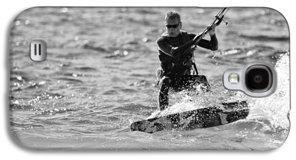 Kite Surfing Black And White Galaxy S4 Case by Dan Sproul