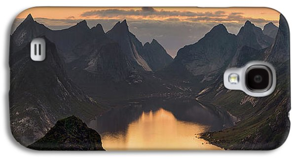 Kjerkfjorden Among Dramatic Mountain Galaxy S4 Case