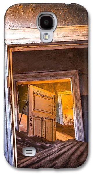 Town Galaxy S4 Case - Kolmanskop - Blue Room by Xenia Ivanoff-erb