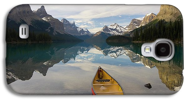 Lake Maligne, Near Jasper, Jasper Galaxy S4 Case by Peter Adams