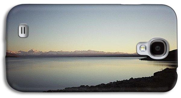 Lake Pukaki First Light Galaxy S4 Case by Peter Mooyman