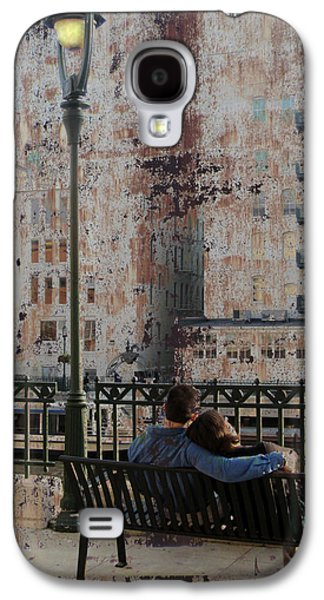 Lamp Post And Couple On Bench Galaxy S4 Case