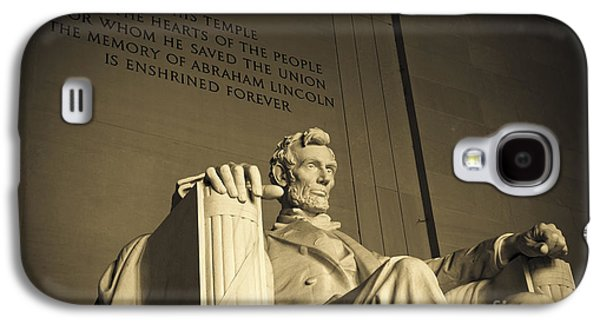 Lincoln Statue In The Lincoln Memorial Galaxy S4 Case by Diane Diederich