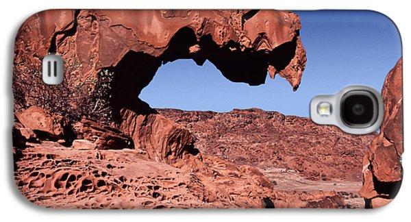 Lion's Jaw Rock Namibia Galaxy S4 Case by Liz Leyden