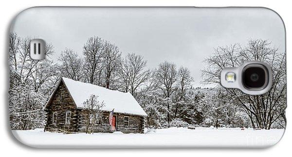 Log Cabin In The Snow Galaxy S4 Case by Edward Fielding