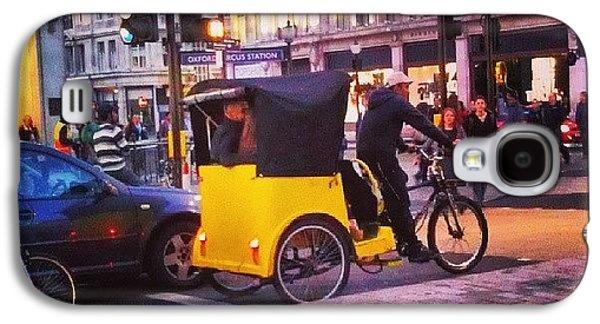 London Galaxy S4 Case - #london #street  #streetphoto #cars by Abdelrahman Alawwad