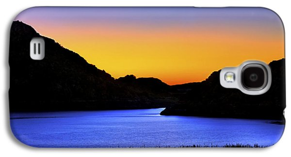 Looking Through The Quartz Mountains At Sunrise - Lake Altus - Oklahoma Galaxy S4 Case