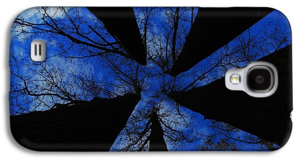 Looking Up Galaxy S4 Case