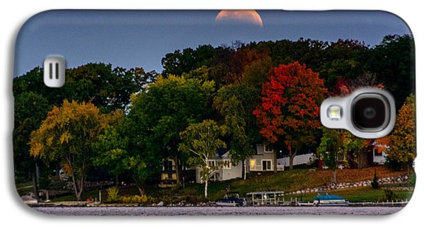 Lunar Eclipse Over Pewaukee Lake Galaxy S4 Case by Randy Scherkenbach
