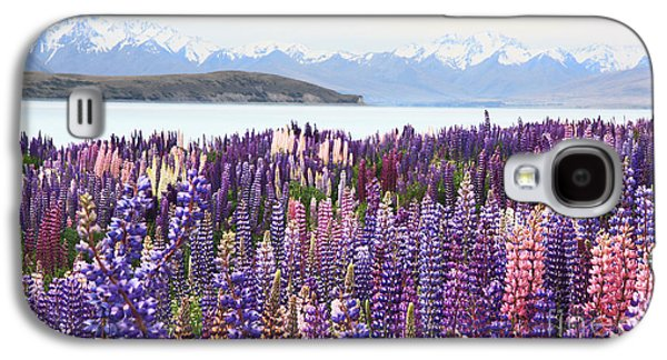 Galaxy S4 Case featuring the photograph Lupins At Tekapo by Nareeta Martin