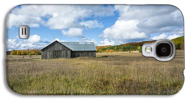 M22 Barn On A Sunny Day Galaxy S4 Case