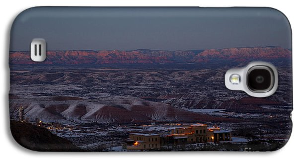 Magic Light Red Rocks With Snow Galaxy S4 Case