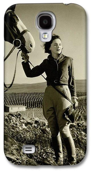 Maureen O'sullivan Standing On A Hill Galaxy S4 Case by George Hurrell