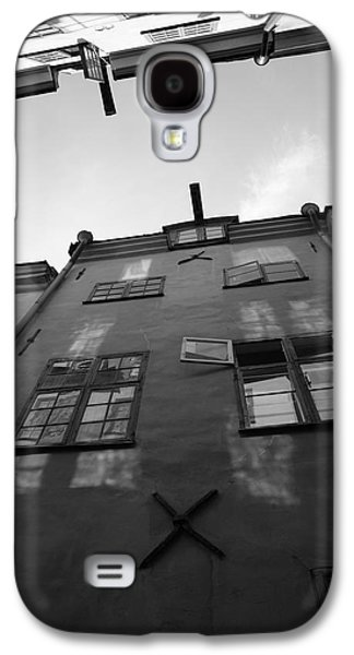 Medieval Houses Seen From Below - Monochrome Galaxy S4 Case by Ulrich Kunst And Bettina Scheidulin