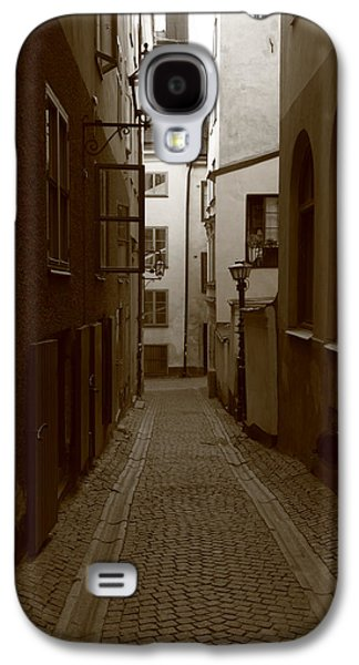 Medieval Street With Lantern - Monochrome Galaxy S4 Case by Ulrich Kunst And Bettina Scheidulin