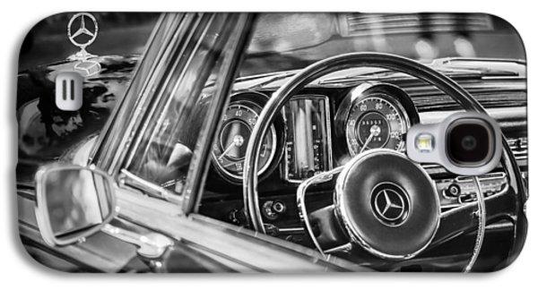 Mercedes-benz 250 Se Steering Wheel Emblem Galaxy S4 Case by Jill Reger