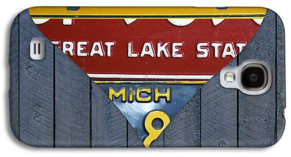 Marquette Galaxy S4 Case - Michigan Love Heart License Plate Art Series On Wood Boards by Design Turnpike