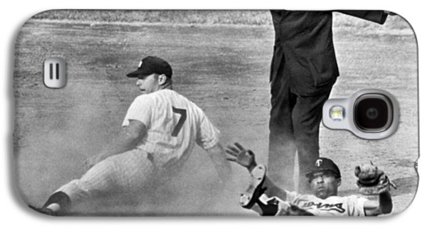 Yankee Stadium Galaxy S4 Case - Mickey Mantle Steals Second by Underwood Archives