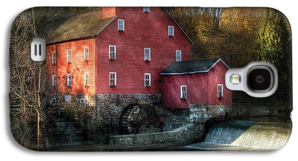 Mill - Clinton Nj - The Old Mill Galaxy S4 Case by Mike Savad