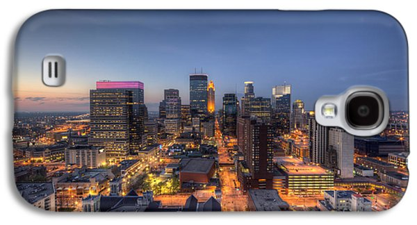 Marquette Galaxy S4 Case - Minneapolis Skyline At Night by Wayne Moran