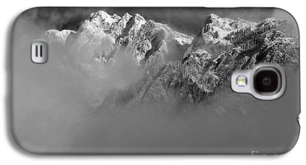 Misty Mountains In Mono Galaxy S4 Case