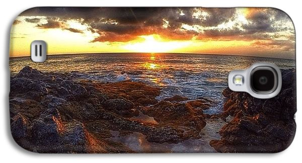 Follow Galaxy S4 Case - Molokai Sunset by Brian Governale
