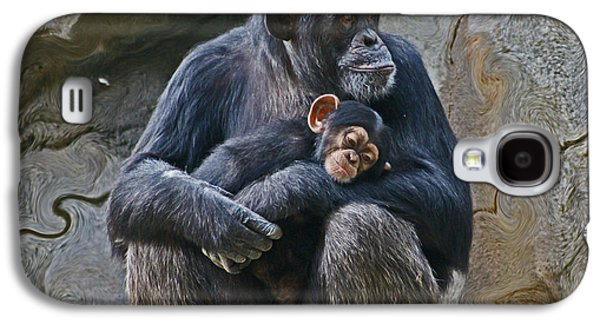 Mother And Child Chimpanzee Galaxy S4 Case by Daniele Smith