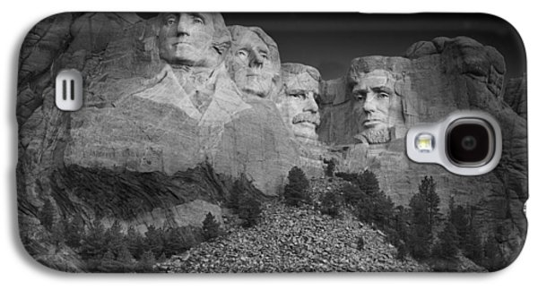 Mount Rushmore South Dakota Dawn  B W Galaxy S4 Case by Steve Gadomski