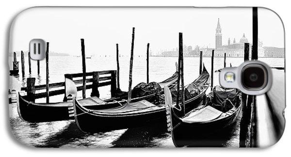 Moving Gondolas In Venice Galaxy S4 Case by Giorgio Calderato