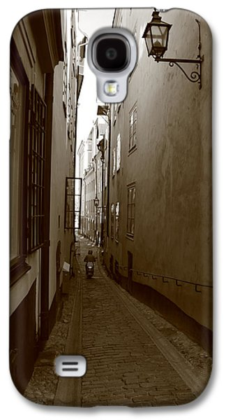 Narrow Street With Motor Scooter - Monochrome Galaxy S4 Case by Ulrich Kunst And Bettina Scheidulin
