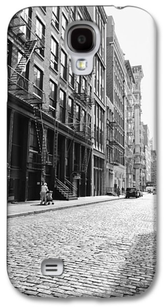 New York City Afternoon - Cobblestones In The Sunlight Galaxy S4 Case by Vivienne Gucwa