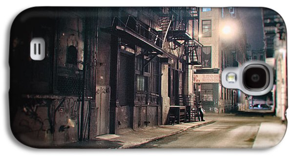 New York City Alley At Night Galaxy S4 Case by Vivienne Gucwa