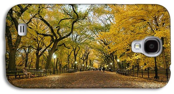 New York City - Autumn - Central Park - Literary Walk Galaxy S4 Case by Vivienne Gucwa