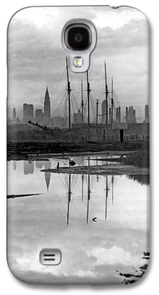 New York City From Long Island Galaxy S4 Case by Underwood Archives