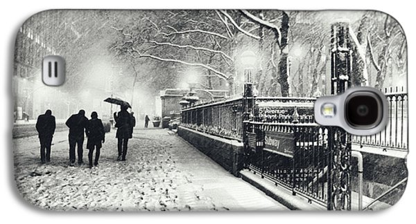 New York City - Winter - Snow At Night Galaxy S4 Case by Vivienne Gucwa