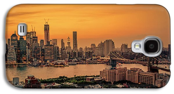 City Sunset Galaxy S4 Case - New York Sunset - Skylines Of Manhattan And Brooklyn by Vivienne Gucwa