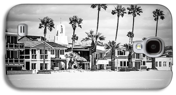 Newport Beach Oceanfront Homes Black And White Picture Galaxy S4 Case by Paul Velgos