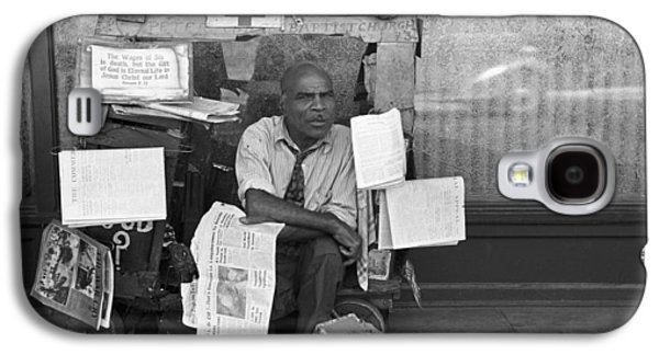 Newspaper Peddler, 1938 Galaxy S4 Case by Granger
