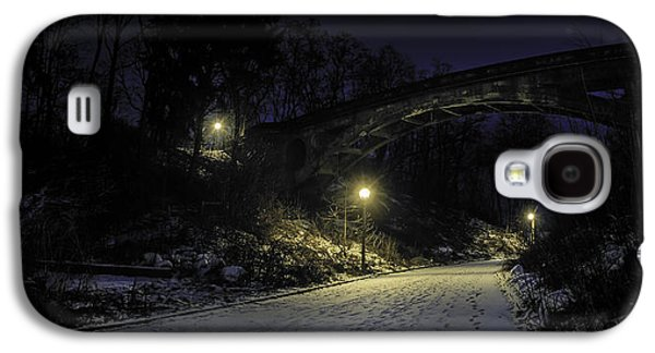 Night Hushed The Shadowy Earth Galaxy S4 Case by Scott Norris