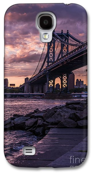 Nyc- Manhatten Bridge At Night Galaxy S4 Case by Hannes Cmarits