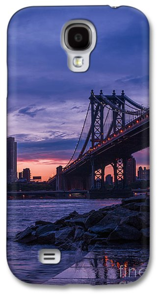 Nyc - Manhatten Bridge At Night II Galaxy S4 Case by Hannes Cmarits