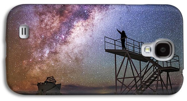 Observer Pointing At The Milky Way Galaxy S4 Case by Babak Tafreshi