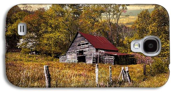 Old Barn In Autumn Galaxy S4 Case