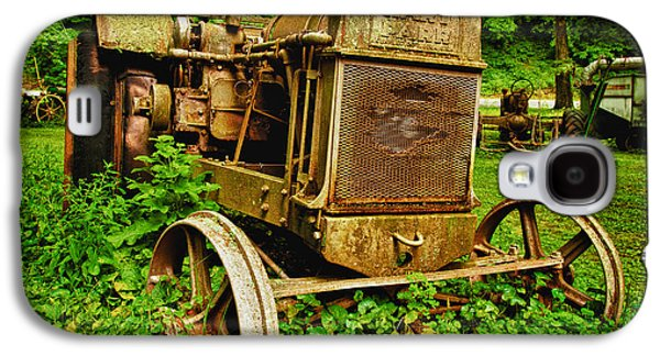 Old Farm Tractor Galaxy S4 Case by Sebastian Musial