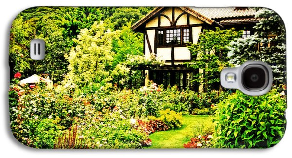 Old House With A Beautiful English Garden Galaxy S4 Case by Beverly Claire Kaiya