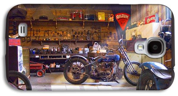 Old Motorcycle Shop 2 Galaxy S4 Case