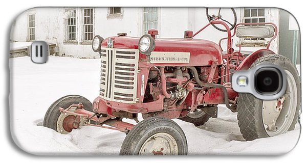 Old Red Tractor In The Snow Galaxy S4 Case by Edward Fielding