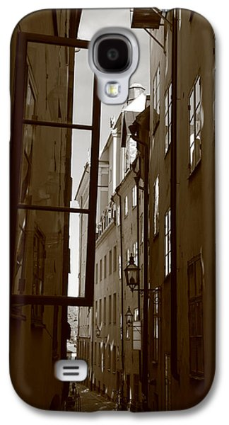 Open Window In Gamla Stan - Sepia Galaxy S4 Case by Ulrich Kunst And Bettina Scheidulin